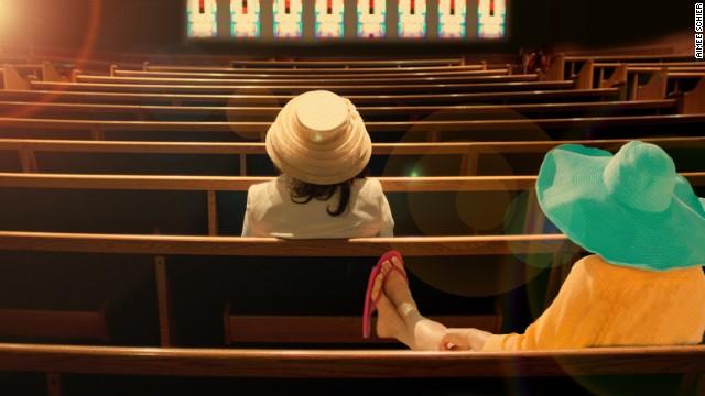 Хватит приходить в церковь в неряшливой и вульгарной одежде!
