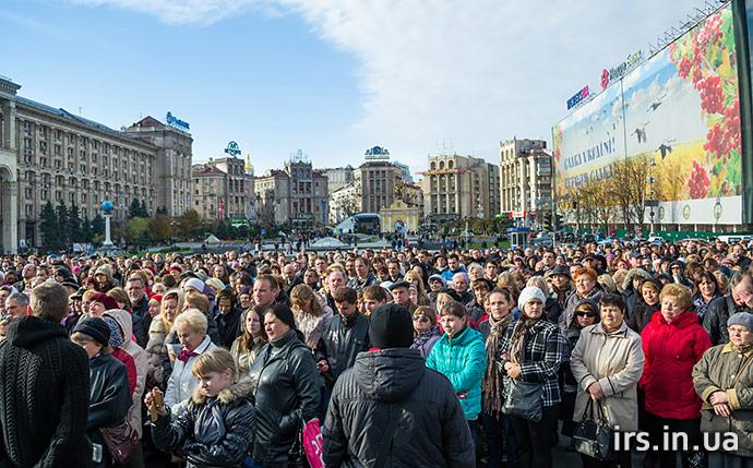 2014.10.19_3b_Maidan_Kyiv_pray_meeting_Ukraine_irs.in.ua