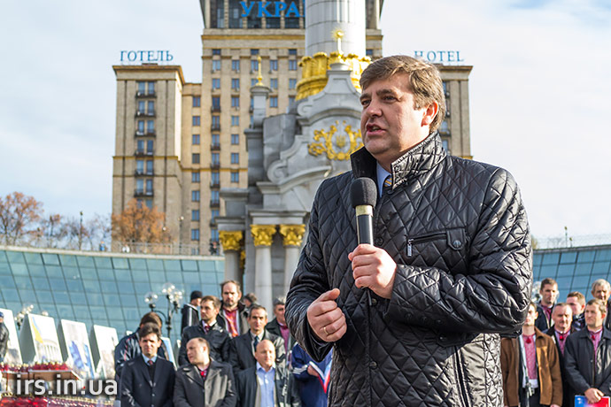2014.10.19_6b_Maidan_Kyiv_pray_meeting_Ukraine_irs.in.ua