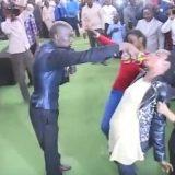 В ЮАР пастор предложил прихожанам выпить бензин чтобы проверить веру
