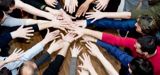 Почему служение в команде лучше, чем соло-выступления