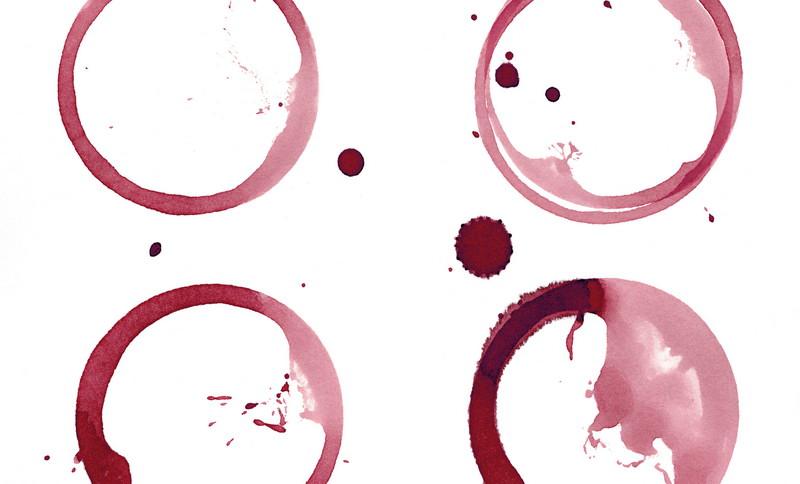 Почему на Песах мы окунаем палец в чашу с вином?