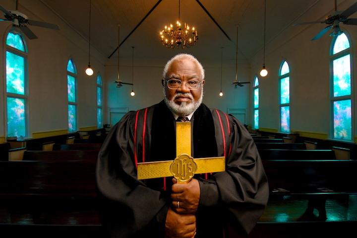Как не разочароваться в церквях и служителях