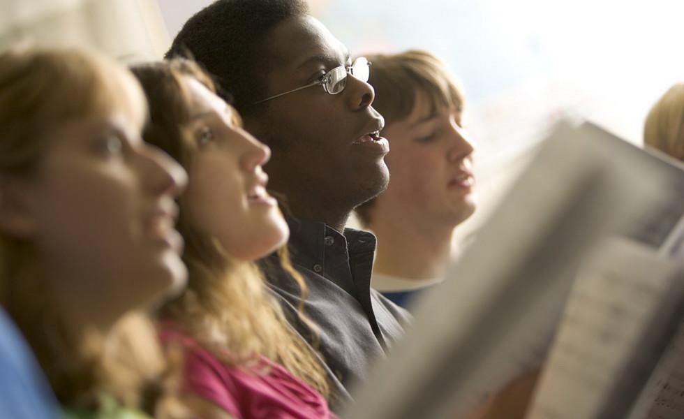Настоящая причина, по которой мужчины не поют в церкви