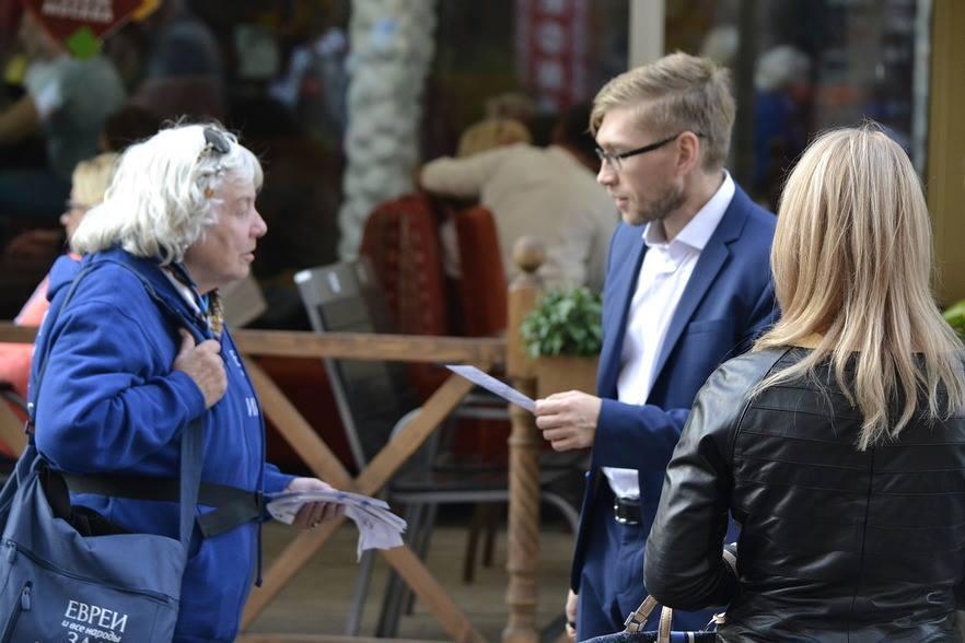 """Чудеса каждый день или пару историй кампании """"Евреев за Иисуса"""" в Москве"""