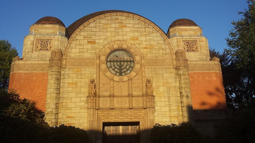 synagogue-904527_1280
