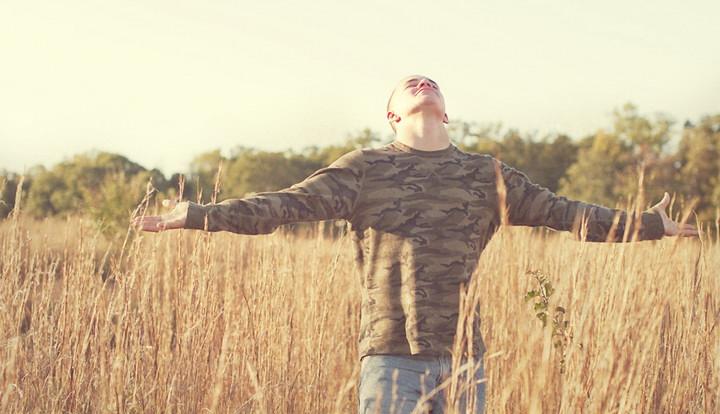 10 мест Писания, напоминающие о благодарности Богу