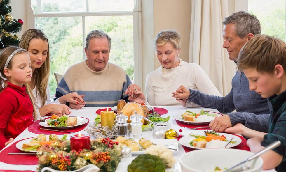 Как благовествовать своей семье во время праздников