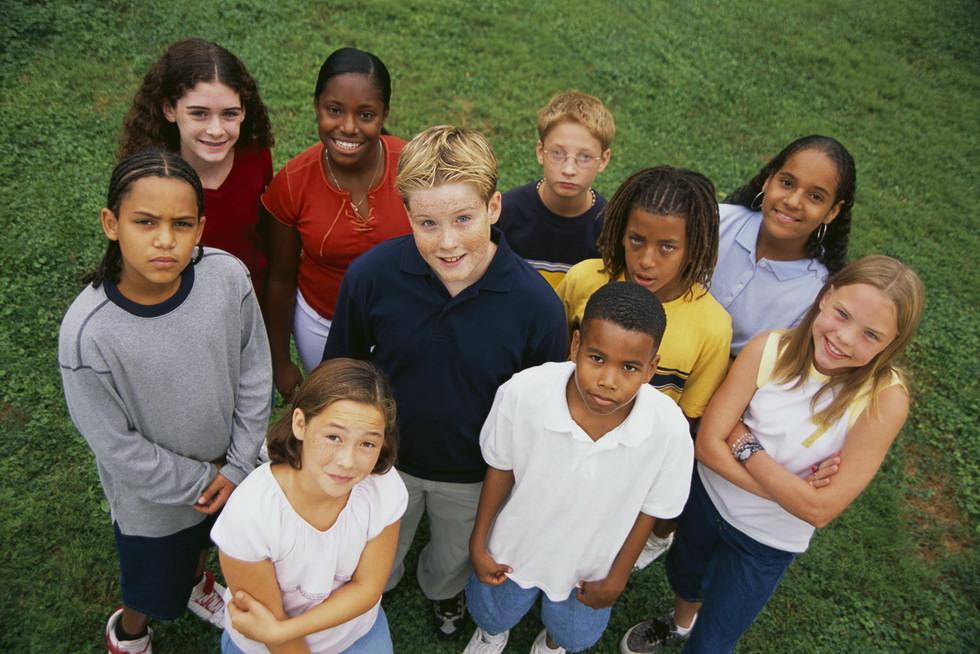 Как послужить молодежи, не оттолкнув при этом людей постарше?