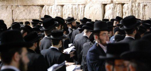 Израиль: многие ультра-ортодоксы порывают со своими общинами