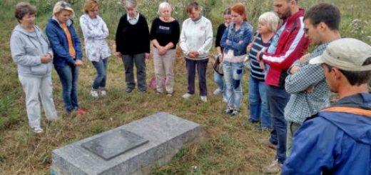 Мессианские верующие молились и каялись на местах массовых убийств евреев в 13 городах Украины