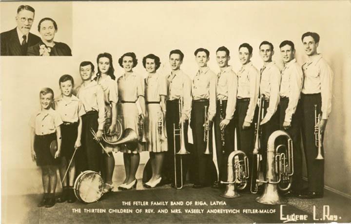У Фетлера было 13 детей, которые все играли на духовых инструментах.