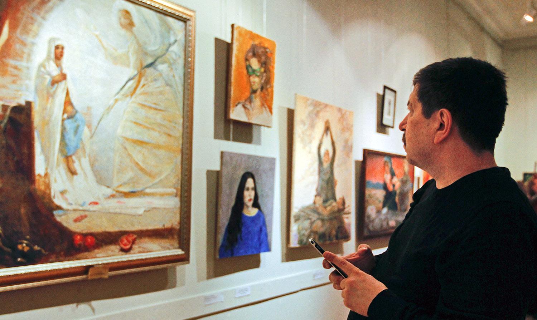 В Москве прошла выставка «Еврейская женщина в Танахе и Новом Завете». Фотогалерея