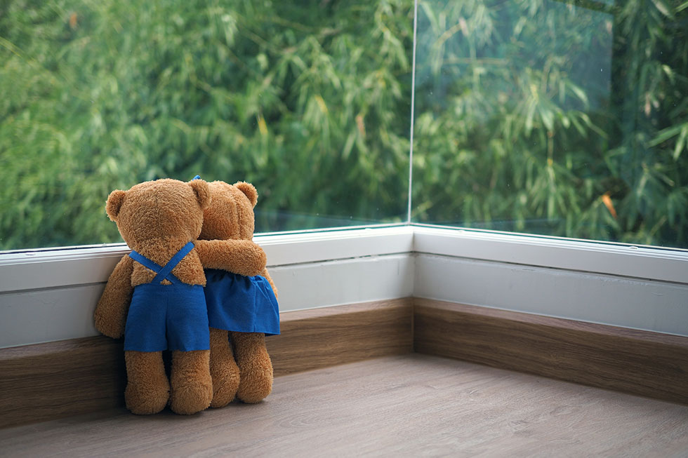 The friendship and relationship of two teddy bears are embracing