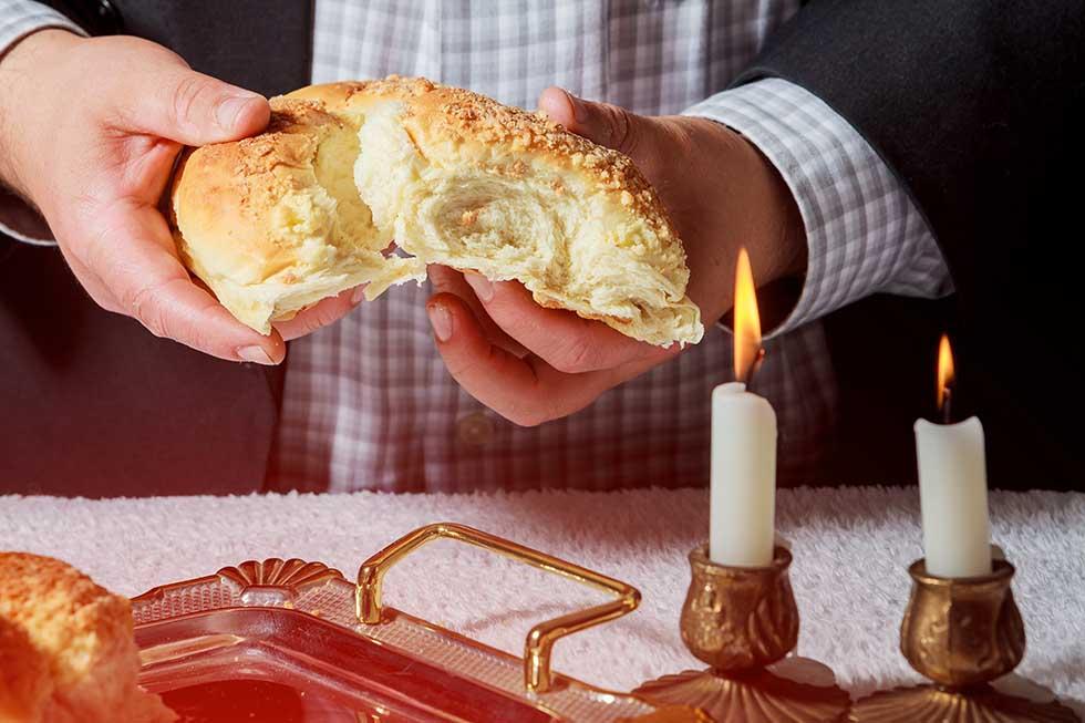 Шаббат, свечи и хала