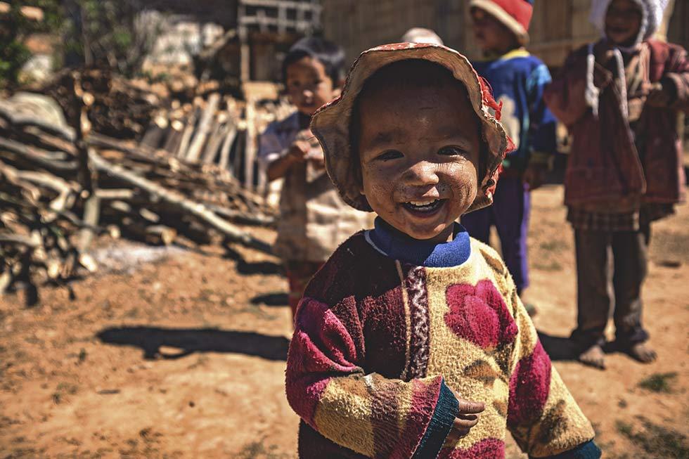 деревенские дети в Мьянме