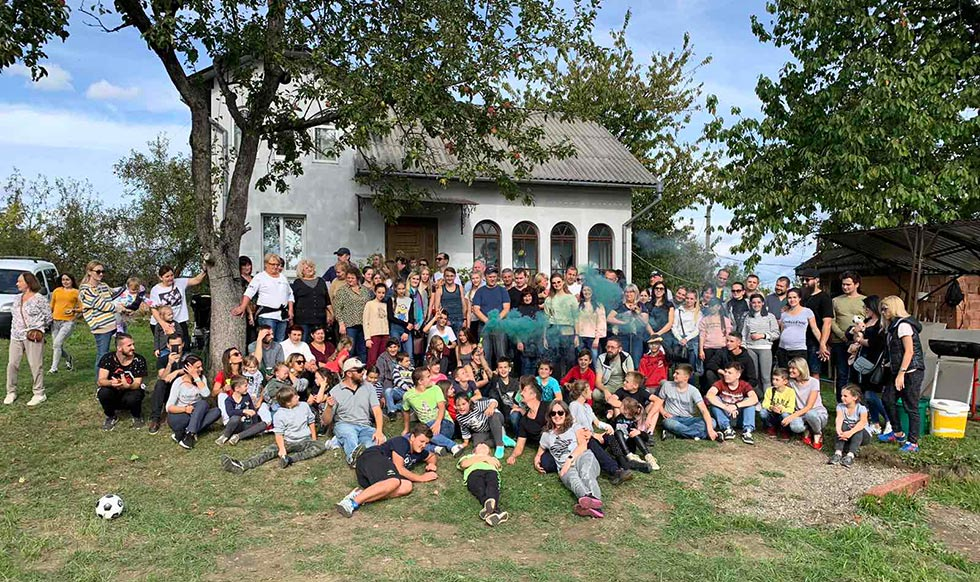 Мессианский молодежный лагерь в Черновцах нуждается в вашей поддержке!
