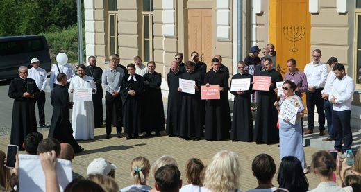 Верующих разных конфессий Гродно (Беларусь) молились о прекращении насилия