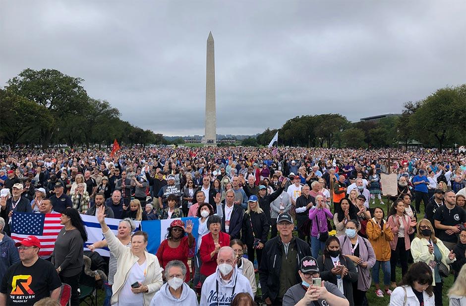 В Вашингтоне десятки тысяч христиан молились за свою страну