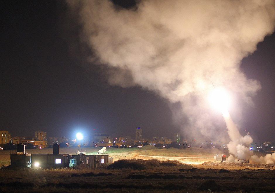 Массированный ракетный обстрел центра Израиля
