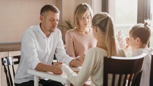Наш опыт семейной молитвы и изучения Библии